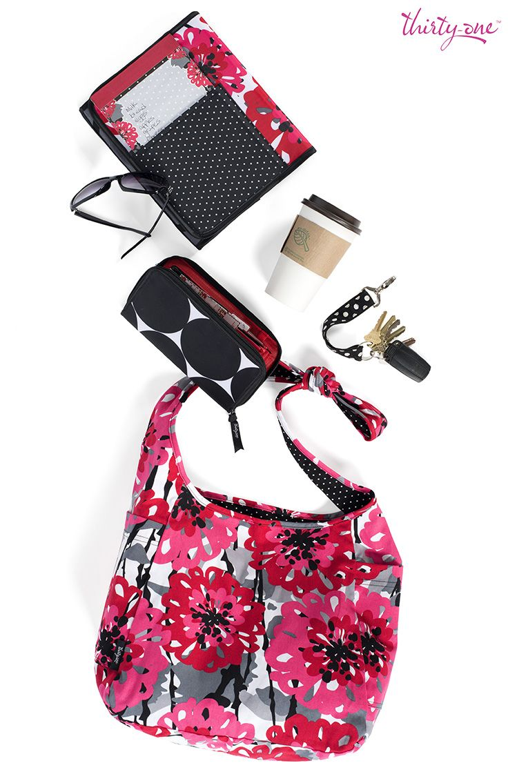 It's time to hit the road in style, with Bold Blooms and Big Dots. Featured products: Inside-Out Bag, Coupon Clutch, Fold-It-Up Organizer and the Hang-It-Up Key Fob.