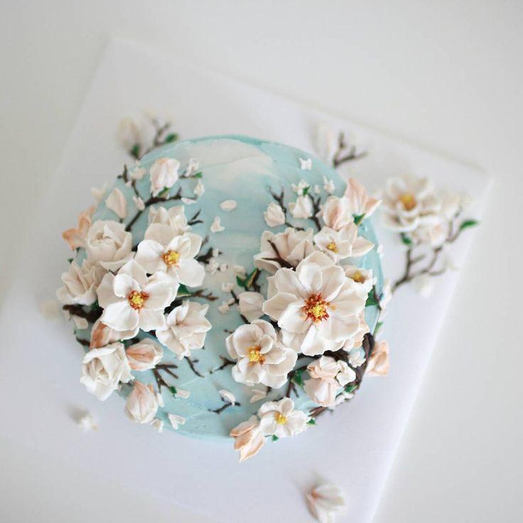Pretty spring flower cake