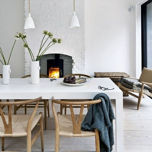 Stolene passer perfekt til kjøkkenbordet vårt når det blir malt hvitt...