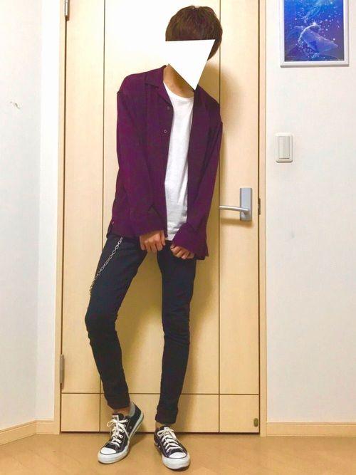 こんにちは!こんばんは!🙌 紫のオープンカラーシャツ!! シャツがゆったりとしております! スキニ