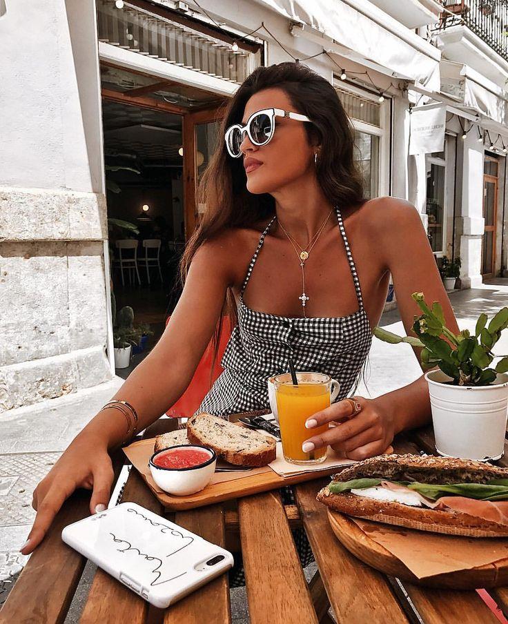 "3,000 Likes, 14 Comments - Marta Lozano Pascual (@martalozanop) on Instagram: ""Breakfast time wearing my new @houseofherrera sunnies #CarolinaHerrera #HerreraEyeStyle"""