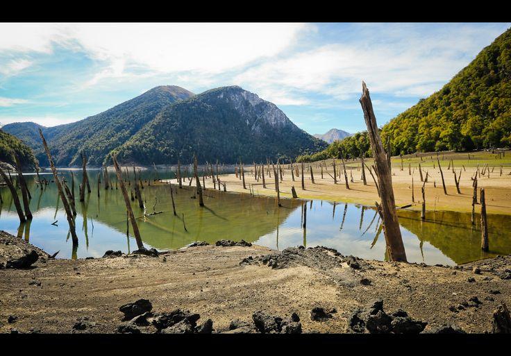 https://flic.kr/p/rNJfsV | Laguna Verde | La sequía este año nos entregó una extraña visión de este hermoso lugar...
