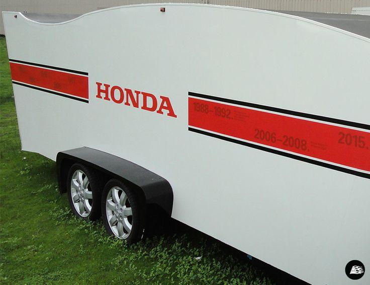 White trailer wrap, F1 trailer, Honda, timeline graphics, Honda F1 2015