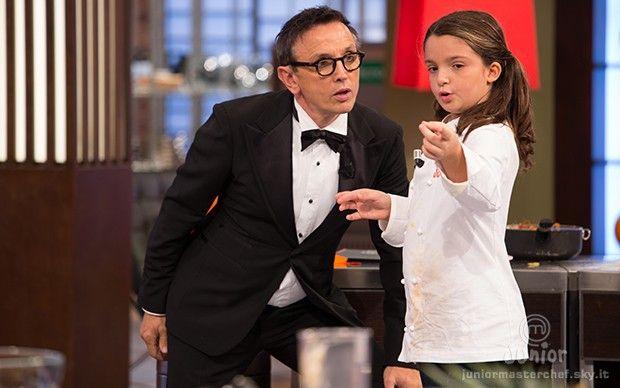 Emanuela parla con lo chef Bruno Barbieri