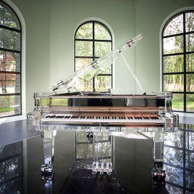 A Clear Choice: CRYSTAL #Pianos Are Anything But Classic #homedecor .. I don't know how to play the piano but this would make a def add on to my future home