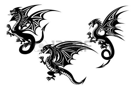 Dragons volants noir avec des ailes sculptées dans le style tribal isolé sur fond blanc pour la conception de tatouage ou la mascotte