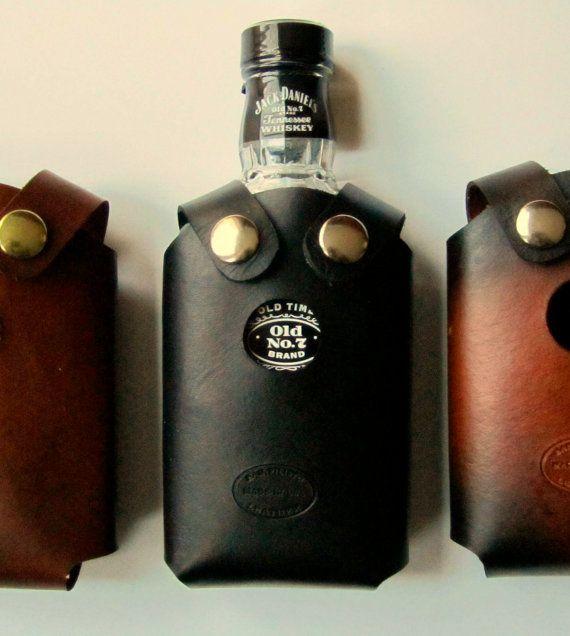 Leather Whiskey Bottle Holster Black von SanFilippoLeather