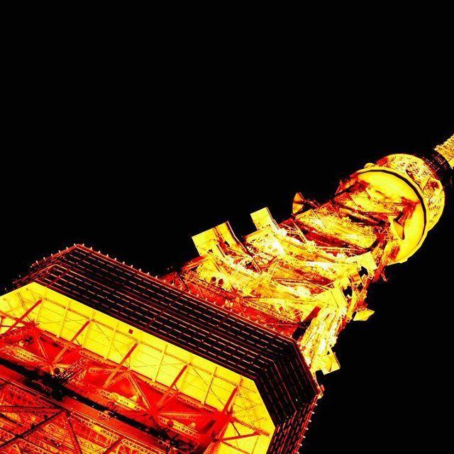 Instagram【m.a.k.o.t.o1238】さんの写真をピンしています。 《12/30 東京タワー 夜はずっと点灯してるらしい #写真#風景#景色#一眼#一眼レフ#カメラ#カメラ部 #キャノン#cannon #夜景#点灯 #東京#新宿#芝公園#東京タワー#オレンジ#四ツ谷 #写真撮ってる人と繋がりたい  #写真好きな人と繋がりたい  #pic #photo #東京カメラ部 #camera》