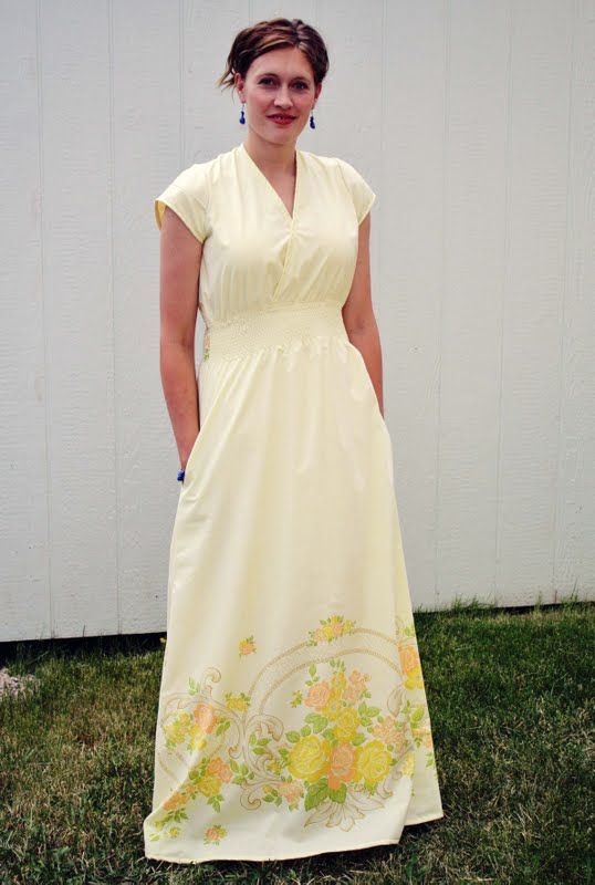 Running With Scissors: Maxi Sheet Dress Sewing Pattern.  A dress out of vintage sheets.  More flattering than a mumu.  :)