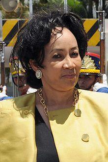 Lindiwe Sisulu - Wikipedia, the free encyclopedia