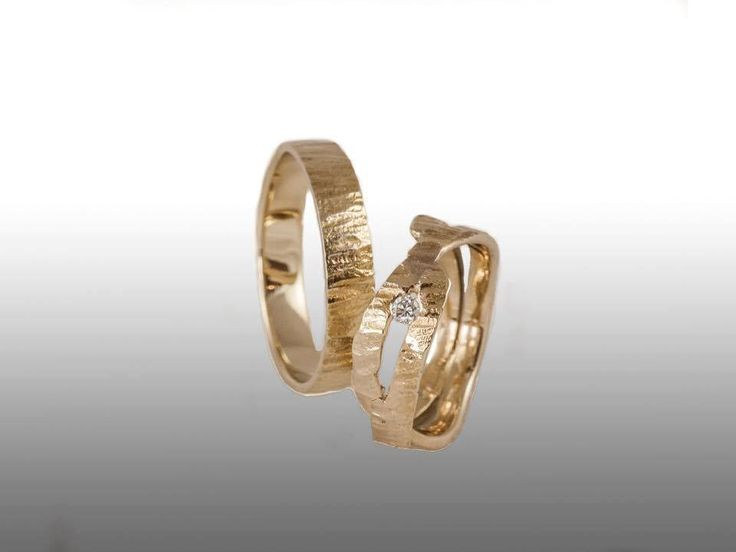 Special Unique Wedding Rings With Diamond Light Yellow Gold