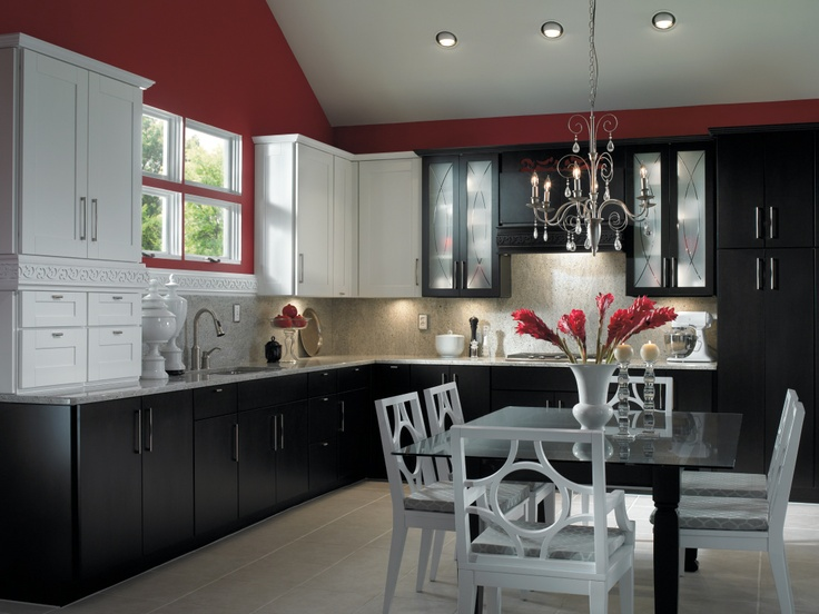 Kemper Combines Black And White Finishes With Curvatious Textured Glass To  Create This Stunning Baroque Inspired Kitchen. Part 39
