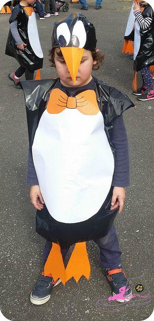 Disfraz de pingüino con bolsas de basura. Disfraz diy. Disfraz casero.