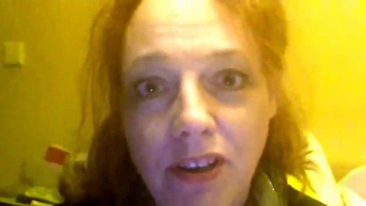 DEEL 1: In deze vlogs beantwoord ik 100 vragen die mij nooit eerder zijn gesteld. Elk deel bestaat uit 10 vragen. :-)  Deel 1: maandag 2 november 2015 (vraag 1 t/m 10)