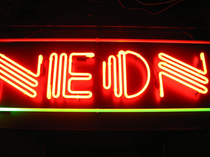17 best images about insegne al neon on pinterest for Insegne al neon milano