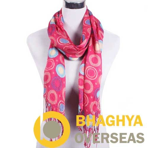 #cottonscarves #printedfabric #printedscarves #ladieswear #fashionaccessories #textileprinting #tableprinting #printedwear   Circular Print Cotton Scarves  Bhaghya Overseas Jodhpur  Manufacturer and Exporter of Handicraft and Textiles