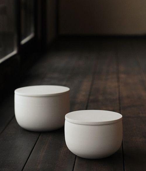 beautiful lidded ceramic bowls