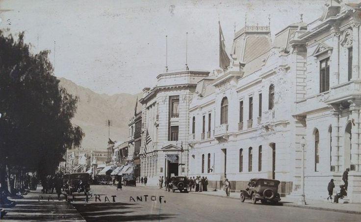 Calle Prat de Antofagasta, entre 1920 y 1930.Autor desconocido.  - EnterrenoEnterreno