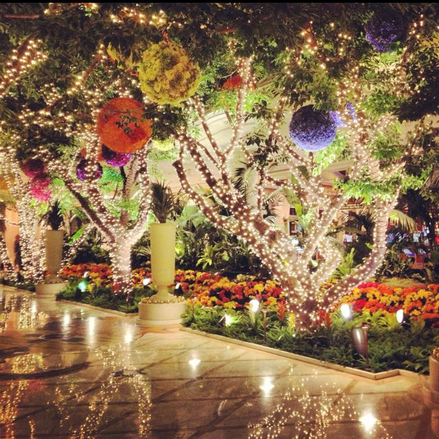 The entryway at the Wynn is pretty magical...