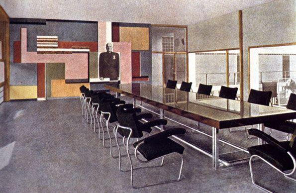 Zanotta Happenings Werbung, Einblick ins Casa del Fascio mit dem Stuhl Sant'Elia von Giuseppe Terragni