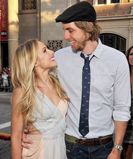Kristen Bell and Dax Shepard 2011. I seriously think they are the CUTEST celebrity couple! I mean look at the way they look at each other!