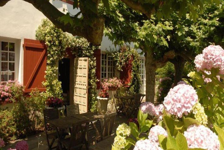 """Bontourism®, Tout l'Art du Voyage en un clic !  Connaissez-vous l'hôtel """"Villa Catarie"""" situé au Pays Basque ? Un vrai petit bijou..."""