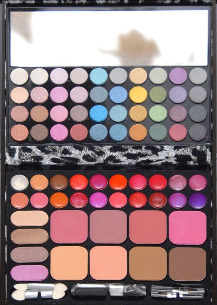 Trusa de farduri cu 72 de culori farduri sidefate, ruj, blush, pudra disponibila pe www.paletutze.ro