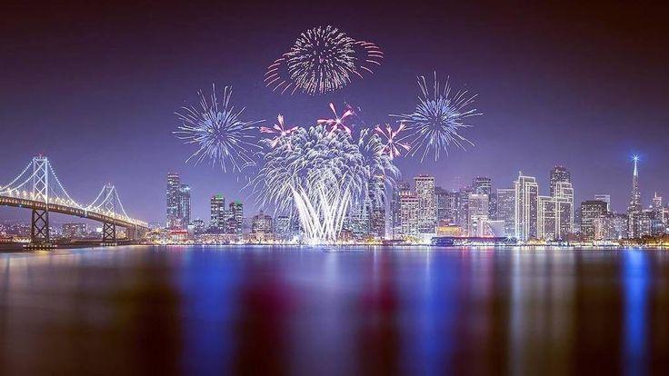 Fireworks in San Francisco Bay by Toby Harriman #sanfrancisco #sf #bayarea #alwayssf #goldengatebridge #goldengate #alcatraz #california