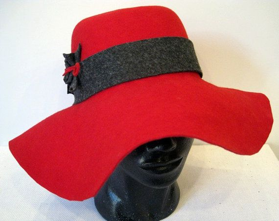 Felt hat with a large brim. by DanuttaHandGallery on Etsy