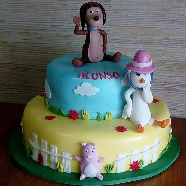 #PerroChocolo #fondant #cake by Volován Productos #instacake #puq #Chile #VolovanProductos #Cakes #Cakestagram #SweetCake