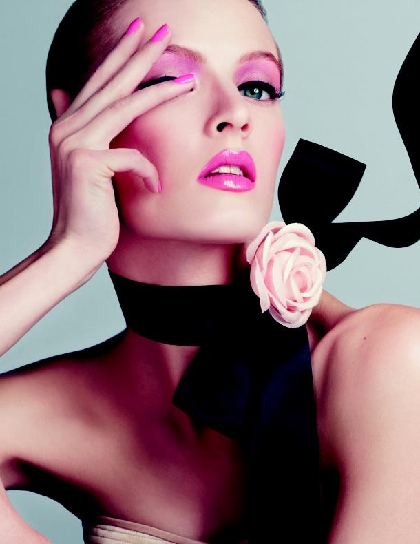 Świeży, dziewczęcy makijaż Diora, dla każdej z nas nie tylko na wiosenne wielkie wyjścia.