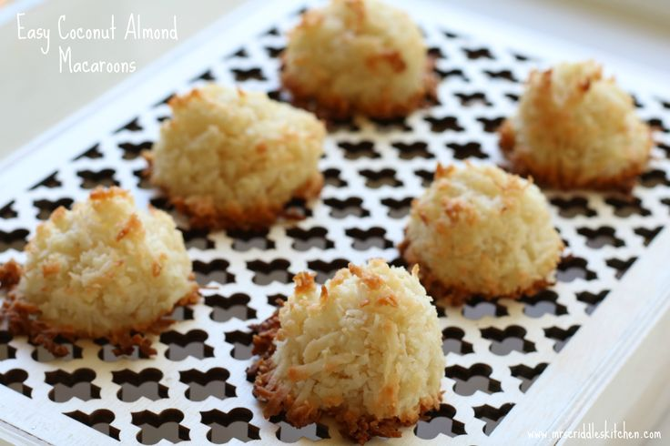 Easy Coconut Almond Macaroons that are gluten free, dairy free and low carb yumminess!