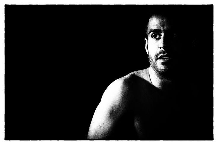 Luz e sombra no corpo masculino