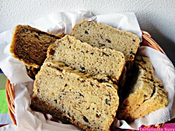 Pão de pesto e azeitonas marinadas http://tertuliadasusy.blogspot.pt/2014/05/pao-de-pesto-e-azeitonas-marinadas.html