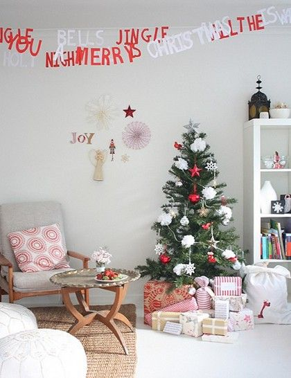 Festive: Paper Garlands, Christmas Time, Christmas Crafts, Christmas Words, Christmas Decor, Christmas Carol, Christmas Garlands, Christmas Trees, Banners