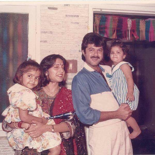 Sonam with his Sister Rhea and Parents !!