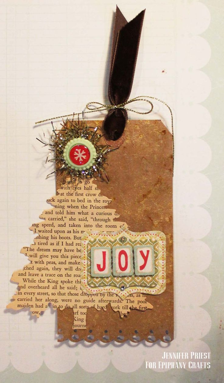 Made with the #epiphanycrafts Shape Studio Tool Round 14 and Vintage Settings. #tag #christmas