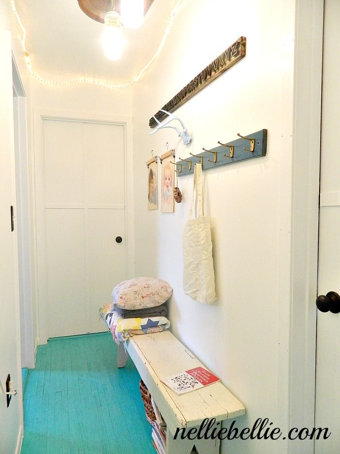 NellieBellie: gorgeous eclectic hallway