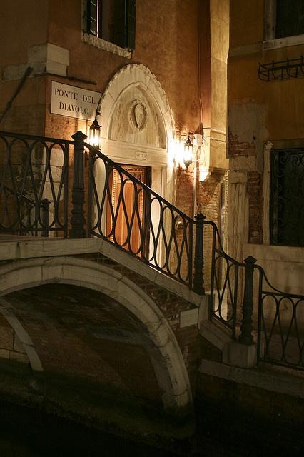 Quiet passage, Venice
