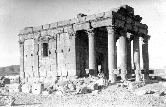 - Templo de Baal-Shamin , Siria . 1910 . Destruido por los terroristas de ISIS en agosto de 2015 ./tcc/