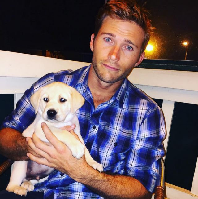 Scott Eastwood shares a photo of his new lab puppy, Freddy, to Instagram on Sept. 18, 2015.