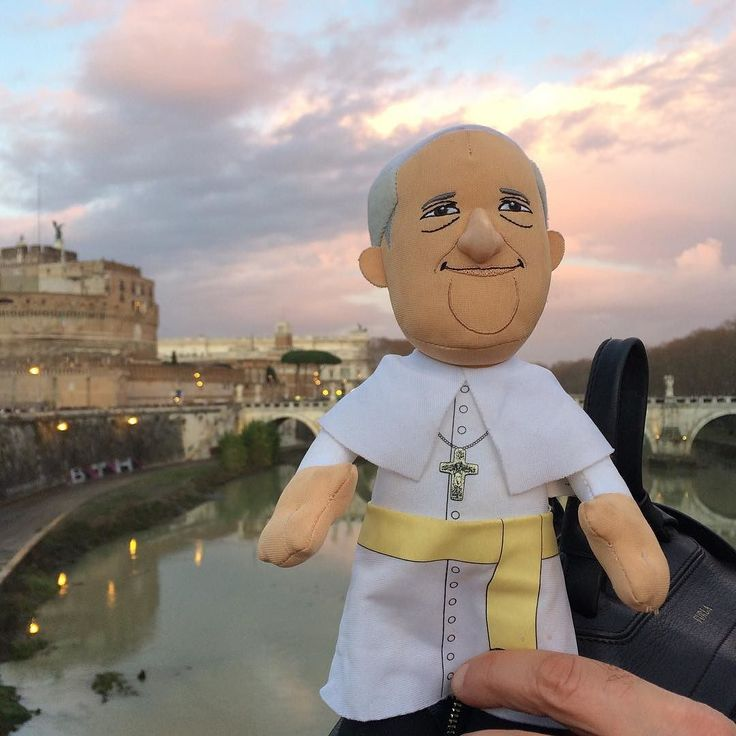 AmEVIE Poulain in Rome with Pope Francis :)