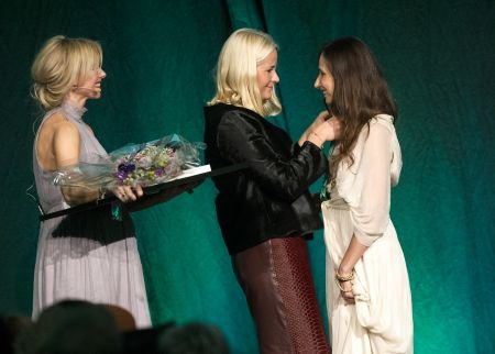 LEILA HAFZI WON BEST SUSTAINABLE FASHION February 13, 2014 Leila Hafzi was awarded the prize for best sustainable fashion brand when HRH Crownprincess Mette-Marit gave out this year Green prize at HENNE (Her) Nåløyet