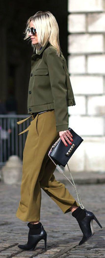 Khaki colored capri trousers by Celina