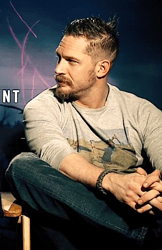 GIF: Tommy - The Revenant Premiere (Press Junket) LA California, USA - December 16, 2015 / TH0162