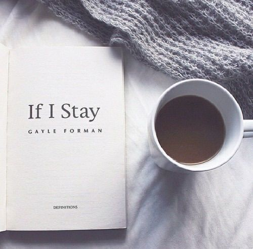 Image via We Heart It #bed #book #coffee #cozy #reading #relax #ifistay #hotchocolate