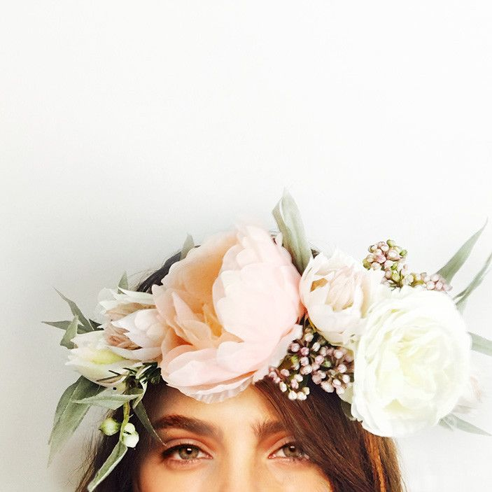 This crown is handcrafted with peony, david austin rose, berzelia berry and eucalyptus gum flowers.   Perfect for your engagement, bridal shower or hen's night; you can wear it confidently knowing it won't wilt or fall apart throughout the day. We love that you can wear it again after your special event or keep it as a treasured memento.
