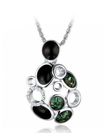 Green Forest Here we have a 100% Handmade necklace (free of nickle). ECO-friendly recycled alloy frame plated with Rhodium and with beautiful green CZECH elements.