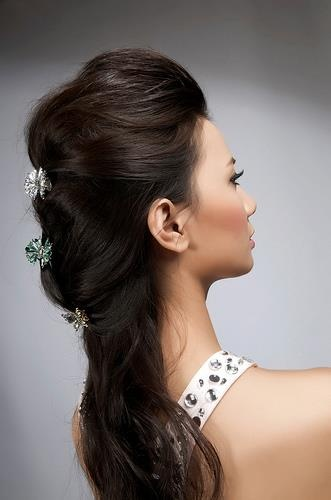 penteado lindo! tb alonga!