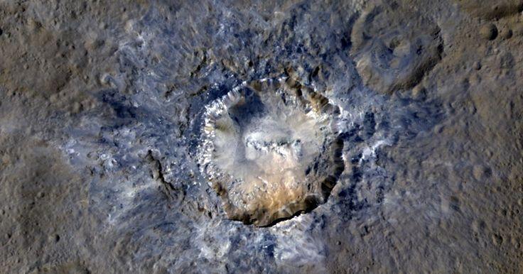 Nasa divulga nova imagem de cratera luminosa do planeta-anão Ceres
